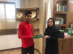تجلیل شهردار آب پخش از قهرمان آب پخشی تکواندو استان بوشهر+عکس