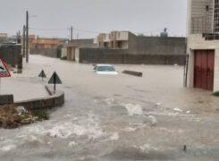 خسارات جدی به تاسیسات زیربنایی و شهری و منازل مسکونی آب پخش وارد شده است+تصاویر